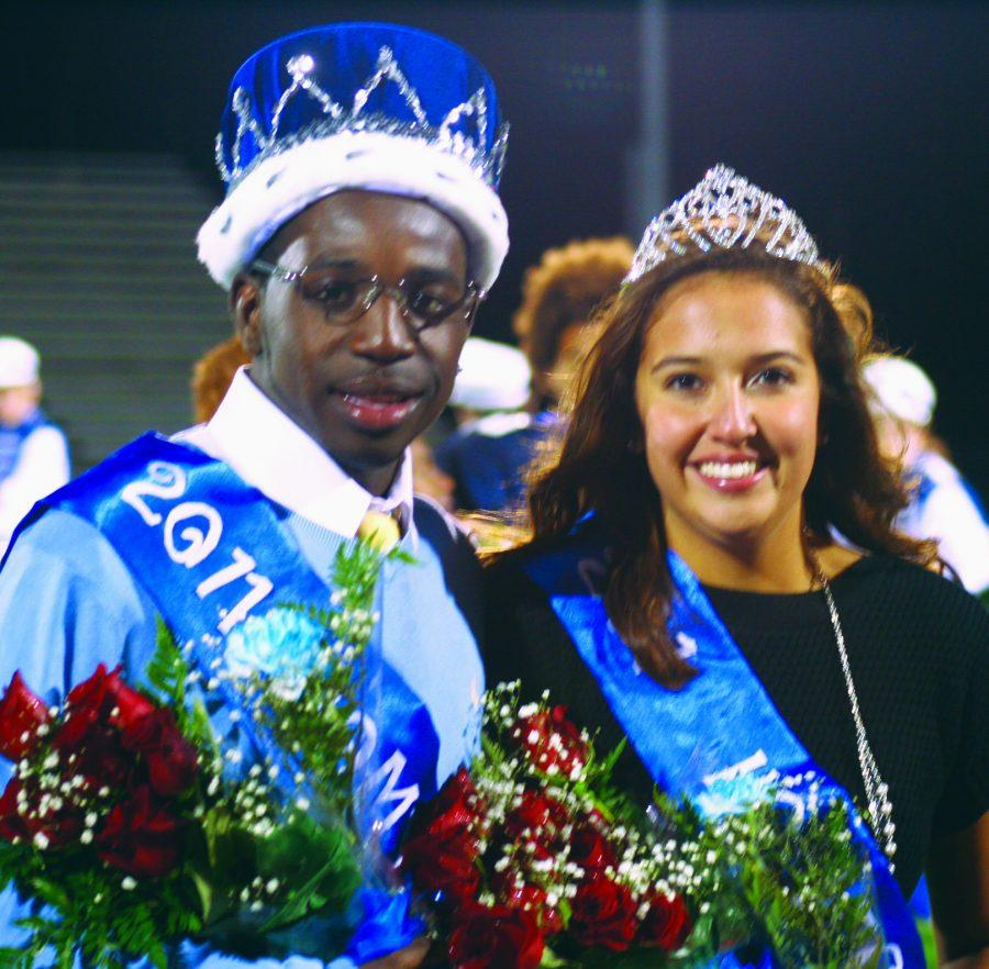 Homecoming King DeArius Hooper and Queen April Curtis. Photo by Daniella Paz