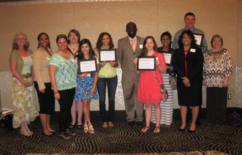 Seven Outstanding EFE Students Get Recognized