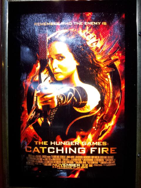 """Audiences Get Fired Up for """"Catching Fire"""""""