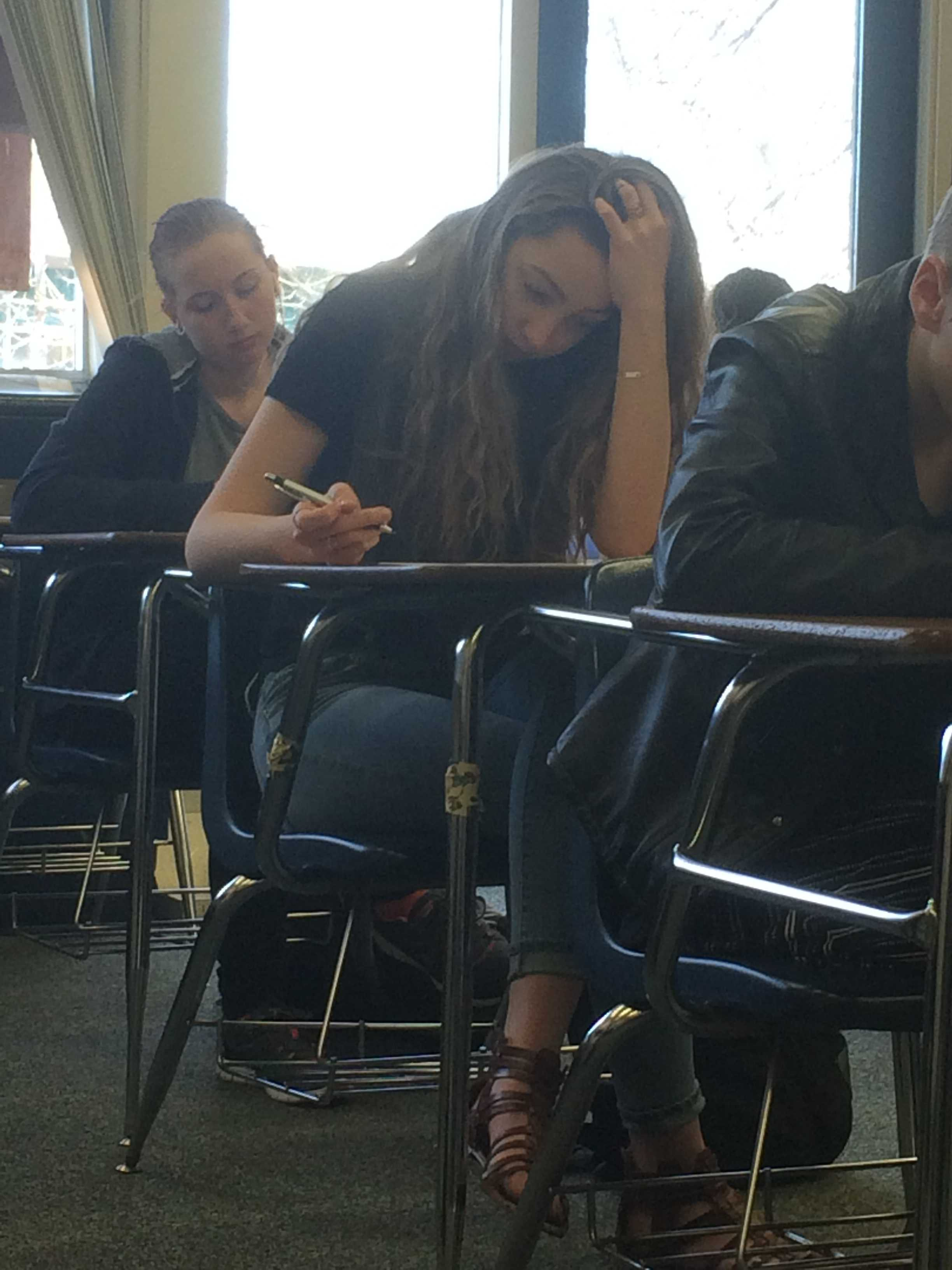 Sophomore Nora Hilgart-Griff gets ready for a French Quiz during 2nd Hour. Photo Credit / Sophia Boismier