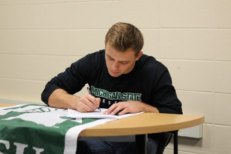 Nick May Signs to Wrestle at Michigan State University