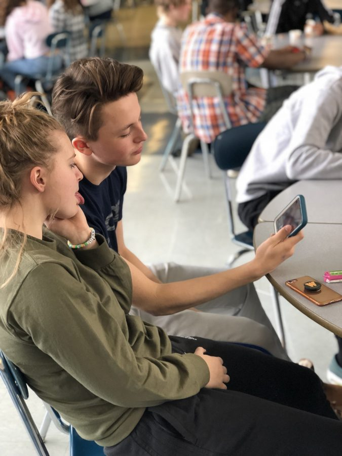 Teens Struggle to Move Forward after a Sudden Snapchat Update