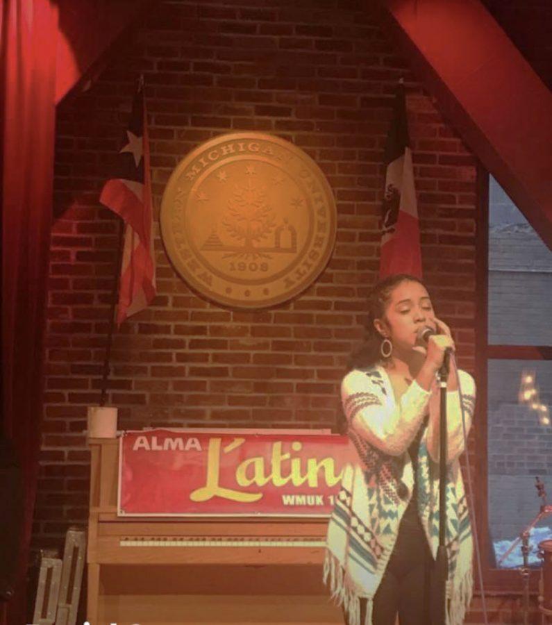 Ariel+Godinez+performs+at+downtown+Kalamazoo+venue.